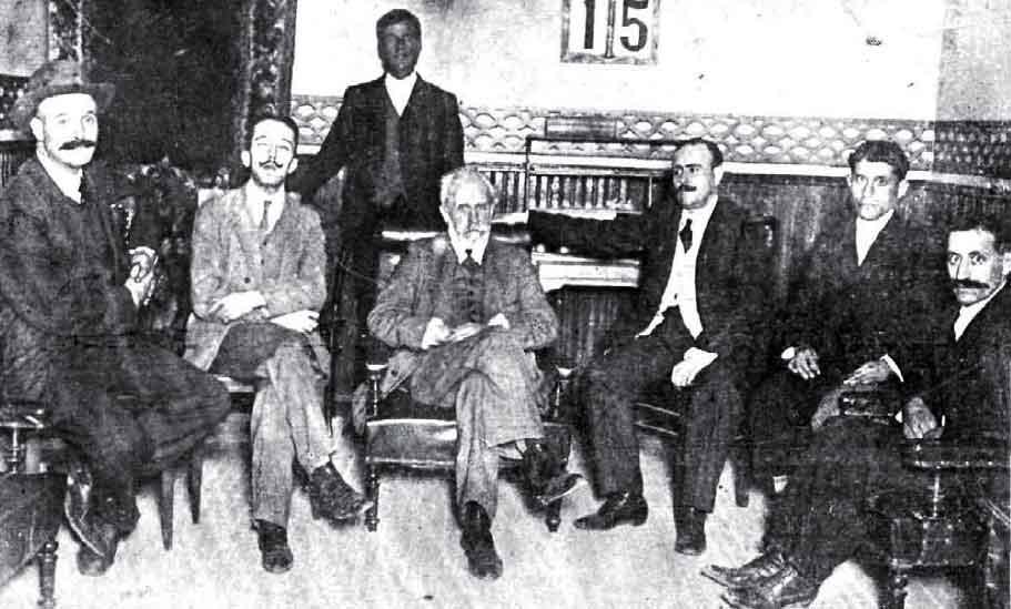 Pablo Iglesias, el tipógrafo fundador de PSOE, en el gran hotel de Ciudad Real durante su visita el 15 de septiembre de 1912