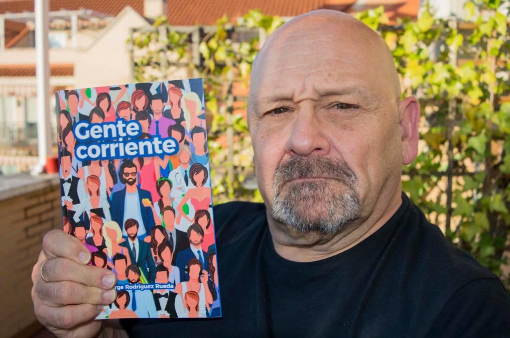 GENTE CORRIENTE, es una novela corta de Jorge Rodriguez Rueda
