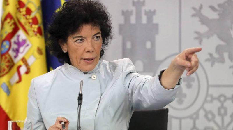 La ministra portavoz, Isabel Celaá, este viernes en la rueda de prensa tras el Consejo de Ministros.