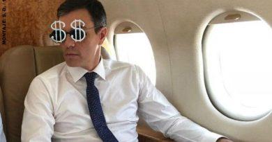 El avión oficial regresó a Castellón para recoger a Sánchez. Ilustración de Santi Orue