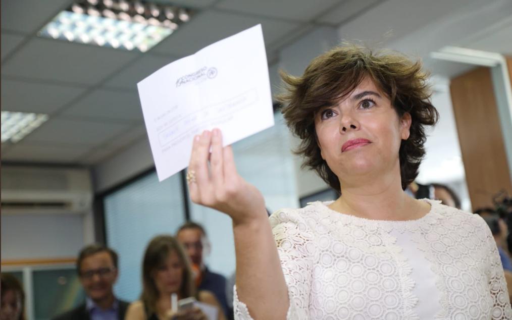 España y la podredumbre. Valencia y Andalucía se decantan por Soraya Saénz de Santamaría para liderar el Partido Popular