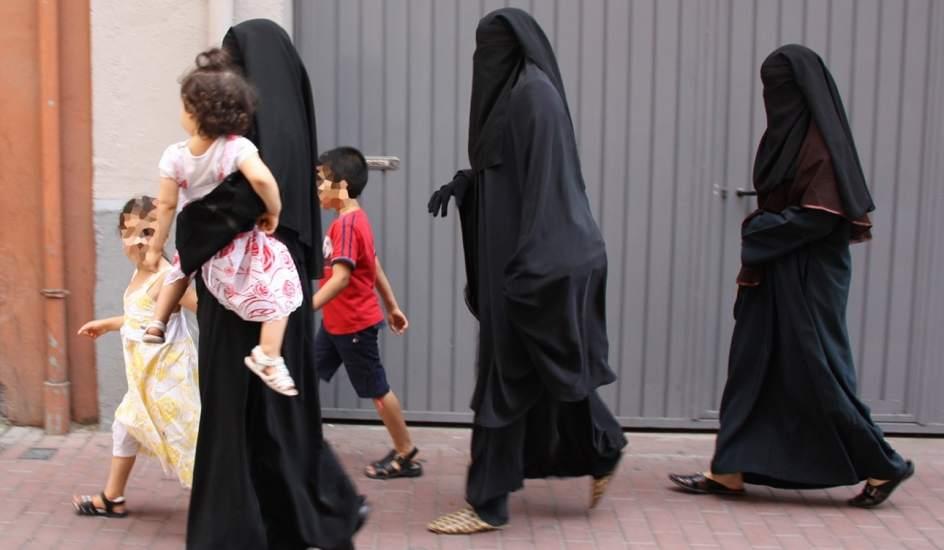Mujeres musulmanas en una calle de Amsterdam