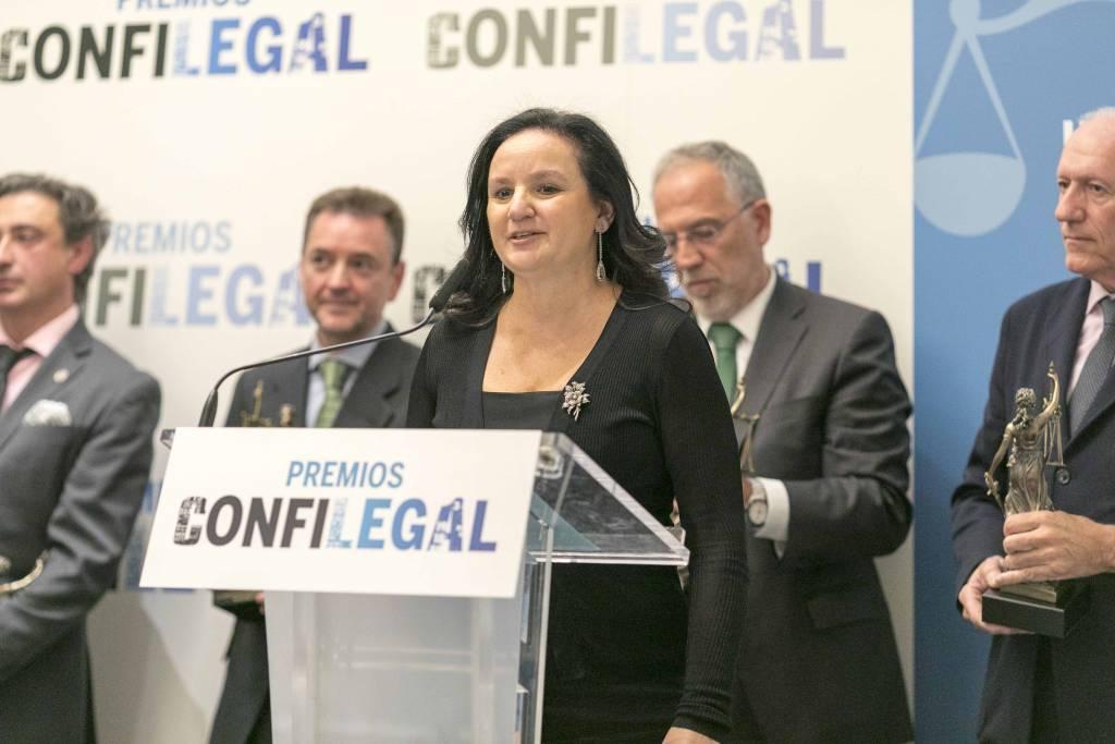 Concepción Rodríguez, presidenta de la Gestora Nacional de Foro Judicial Independiente, durante su intervención en los últimos premios Confilegal