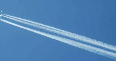 Amanece Mallorca, la isla bonita, con un cielo azul