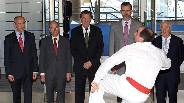 Aurresku al Rey. El PNV a dos manos, entre la catalanización y la cesiones de Madrid
