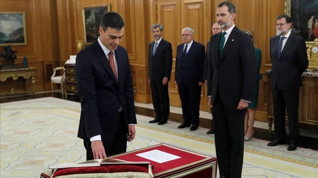 Pedro Sánchez, promete el cargo ante el Rey