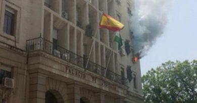 palacio-de-justicia-en-sevilla-en-llamas