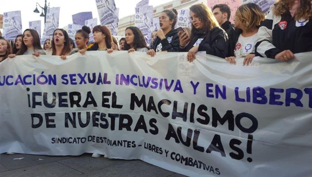 Huelga de estudiantes contra el machismo en las aulas