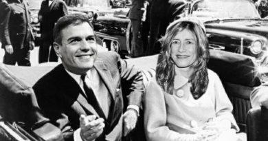 La super Estrella de la política populista Española estaba en el punto de mira de un lobo solitario , los perdigones de calibre 4,5 aminazaron su vida. Ilustración de Tano