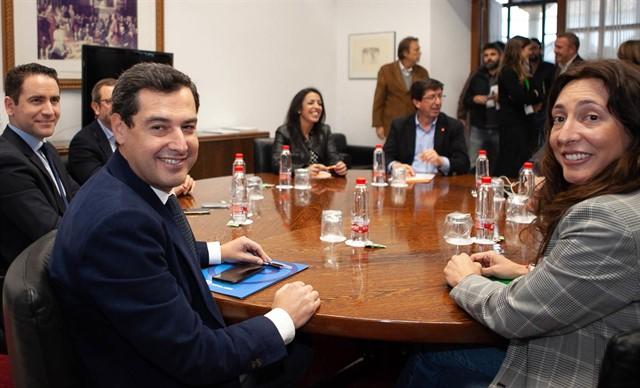 El apoyo de Vox abre una brecha en las negociaciones entre PP y Ciudadanos en Andalucía