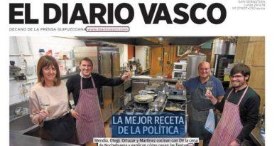 Portada de El Diario Vasco donde aparecen brindando Mendia y Otegi junto a Ortuzar