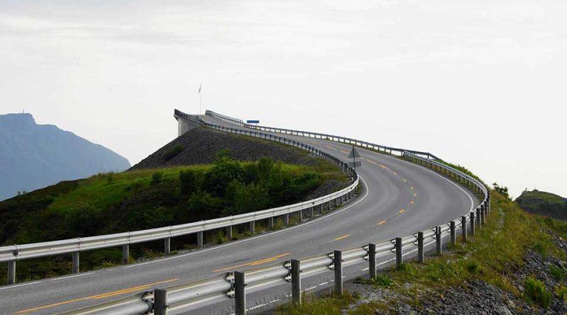 De las carreteras a ninguna parte y los cínicos