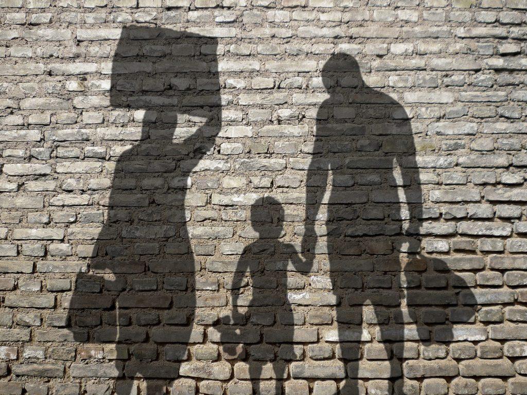 Nuestros padres y abuelos se tuvieron que ir de sus pueblos y ciudades