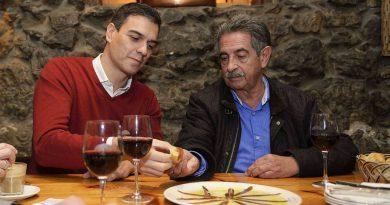 Revilla y Sánchez brindan con anchoas