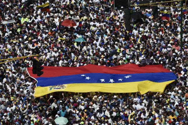 Guaidó convoca nueva movilización en Venezuela