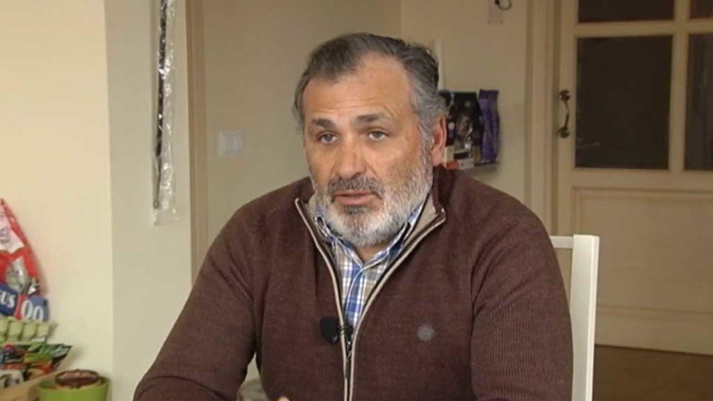 Piden 20 años de cárcel para un expolicía que disparó a los ladrones que entraron en su casa de Sevilla. Cuatro