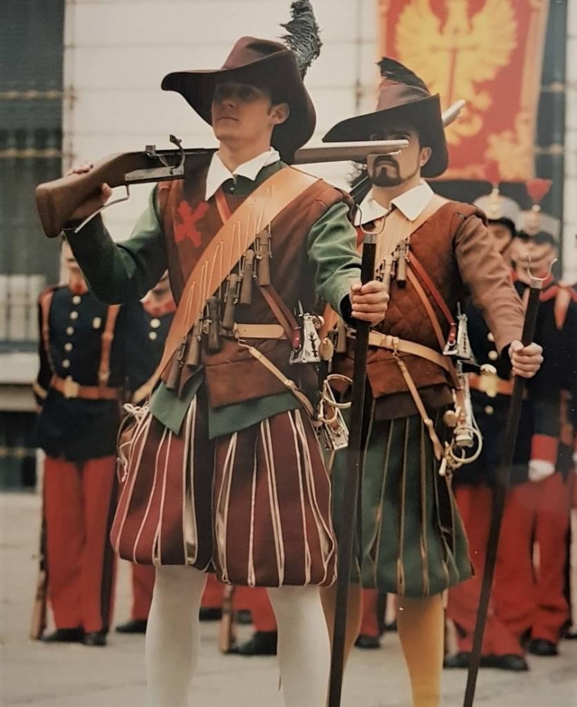 los soldados españoles que participaran en estos actos fueran precisamente del Grupo de Operaciones Especiales Santa Fé