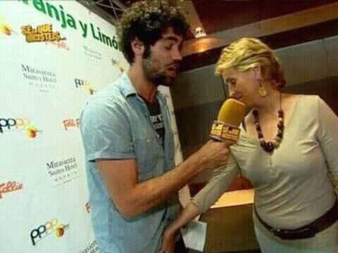 Mercedes Mila es muy fashion y moderna porque le toca las pelotas a un periodista y le ríen las gracias