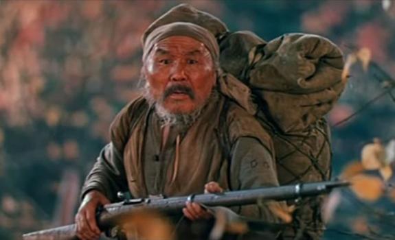 Dersu Uzala: Un viaje al corazón de la taiga y la amistad y una reflexión sobre la realidad de la guerra y de la muerte