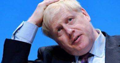 Boris Johnson se pone a la defensiva y rehúye responder sobre sus planes para el Brexit y su vida privada