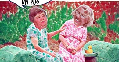 Vecinas de casoplón disfrutan mogollón. por Linda Galmor
