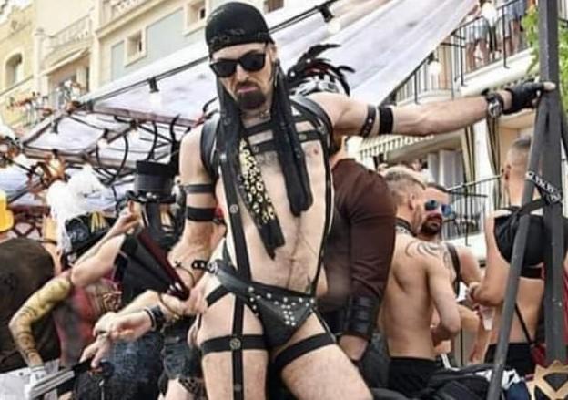 Los políticos pugnan porque la mafia LGTBI los acepte en su marcha