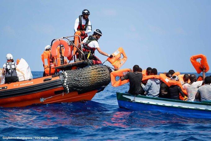 Médicos sin Fronteras comunica: España debe dar un paso al frente y sumarse al grupo de 8 países europeos que han alcanzado un acuerdo para garantizar un #DesembarcoSeguro a quienes huyen de Libia. La #UE debe facilitar un puerto seguro para el @openarms_fund