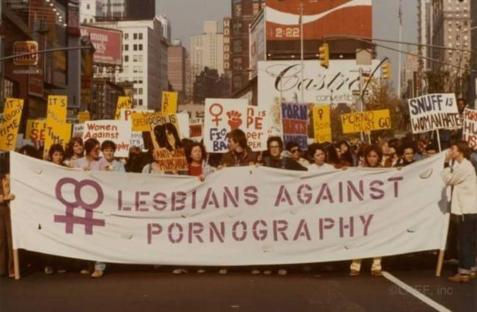 La pornografía es la teoría, la violación es la práctica. Manifestación de los 70