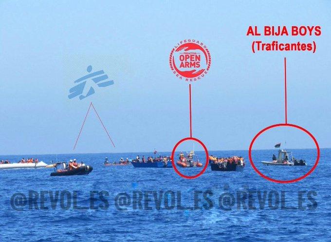 Open Arms junto a Médicos sin Fronteras y el grupo criminal Al Bija Boys