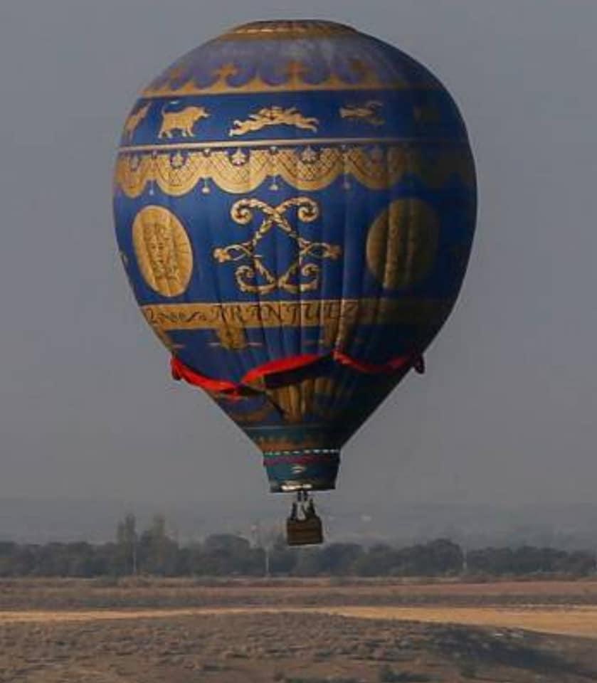 Aranjuez es el lugar de España donde se realizó el primer vuelo en globo aerostático en 1784, el conocido globo Montgolfier