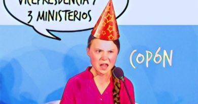 La niña del exorcista desea un #FelizMartes a todos sus compis del instituto que abandonó por la lucha contra la civilización occidental. Por Linda Galmor