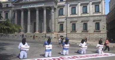 """La plataforma Derecho a Vivir ha advertido que la ley socialista de eutanasia que se ha debatido en el Congreso de los Diputados """"es una amenaza real para los cerca de 9 millones de personas mayores que hay en España"""""""