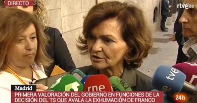Carmen afirma: Queríamos ser el Gobierno progresista que no tuviera al dictador en ese lugar y lo hemos conseguido.