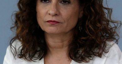 La actual ministra de Hacienda en funciones, María Jesús Montero, fue consejera de esa Junta de Andalucía corrupta desde 2004 hasta 2018, catorce años en la Junta y ahora en el gobierno de España sin haber pagado por el robo masivo de su partido.