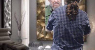 La tinta del calamar en el espejo