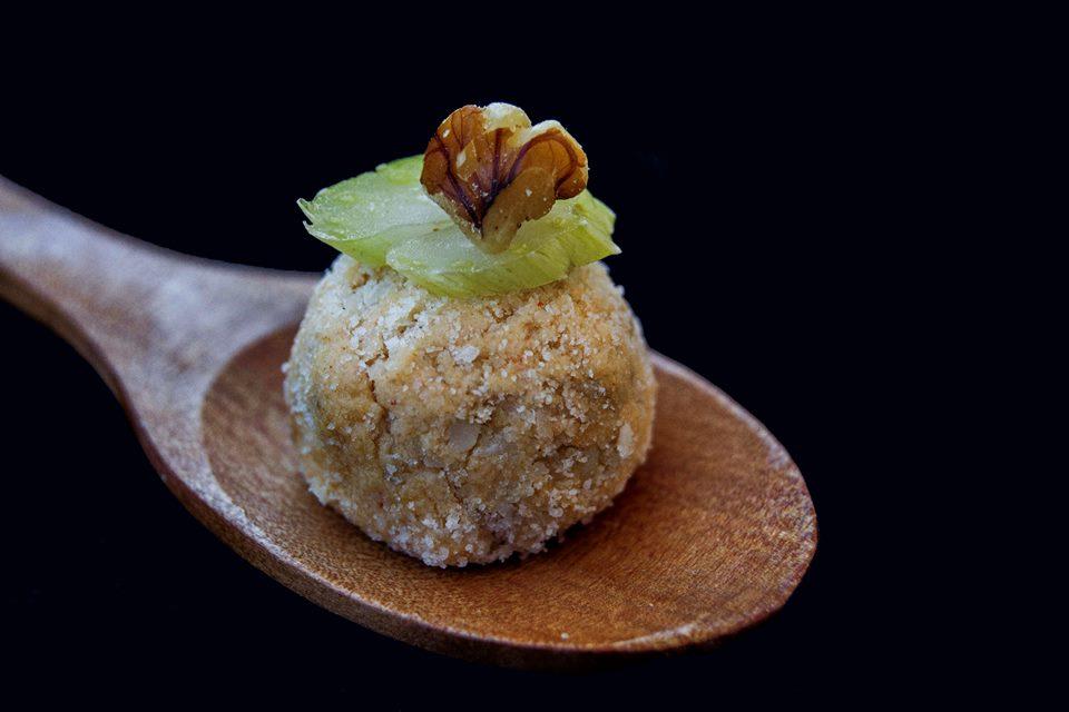 Bolitas de queso y nueces para cremas y sopas. Fotografía y Realización de Rodolfo Arévalo