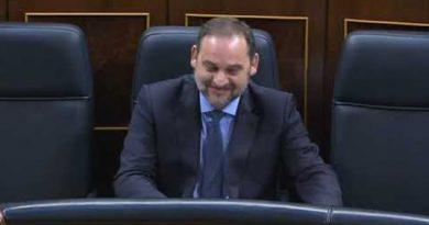 Cayetana Álvarez de Toledo le da un repasito al ministro Ábalos