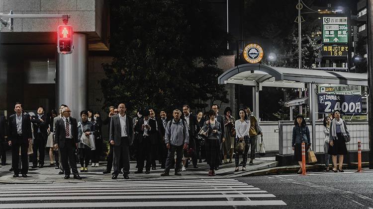 Qué mueve la conformidad social. El experimento de Asch