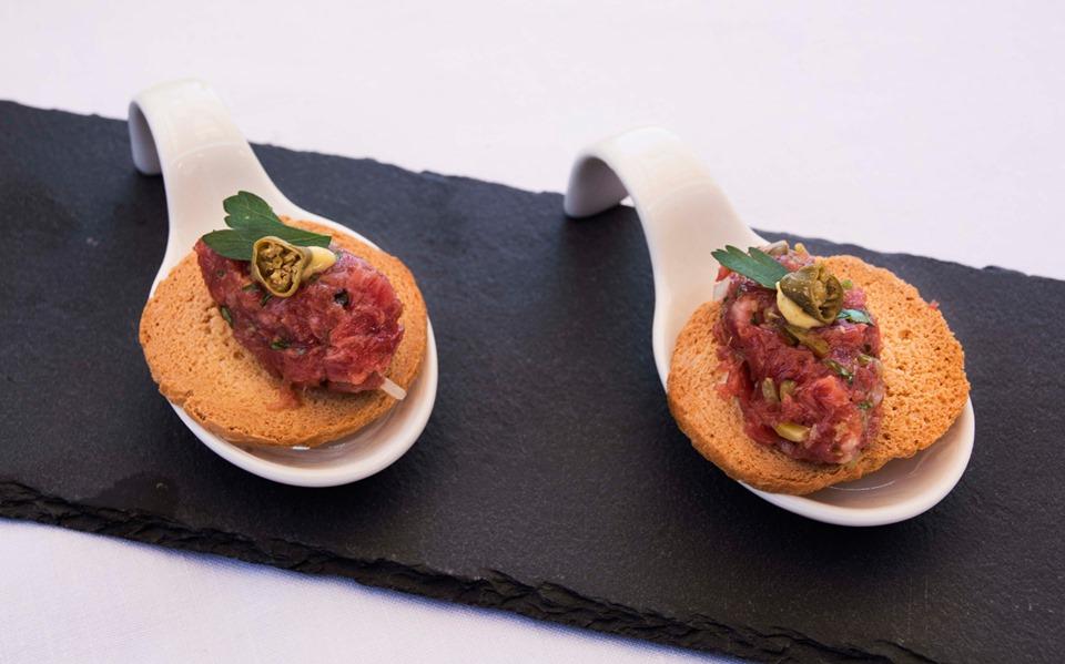 Receta de steak tartare. Imagen y Realización de Rodolfo Arévalo