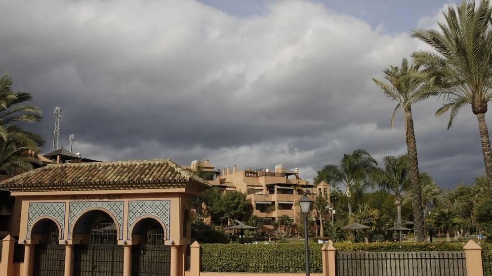 Vista de la urbanización Alhambra del Golf 3 en Guadalmina Baja en Marbella (Málaga), donde se encuentra el ático de González. Foto de EFE para elconfidencial.com