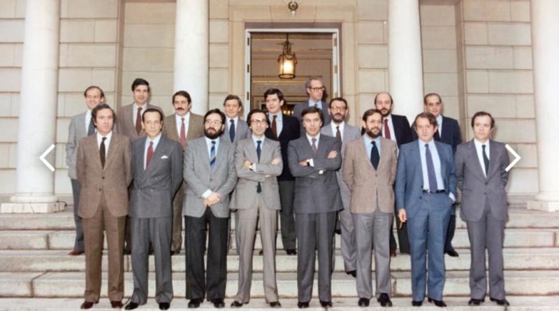 Primer gobierno socialista, origen de todo el gran error histórico de la derecha española. El perdón