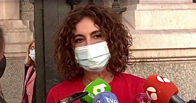 """¿Sabéis por qué se llaman mascarillas? Porque en España son las """"más carillas"""" de Europa..."""