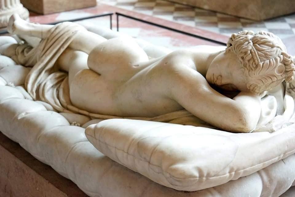 La obra fue realizado por el gran Bernini en 1619 a petición del Cardenal Borghese