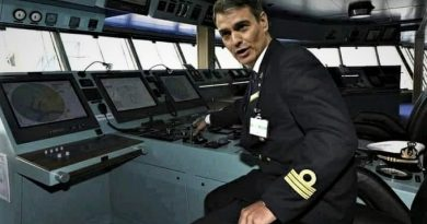Estamos apañados, éste es el capitán que dirige nuestro destino...