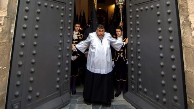 Por segundo año consecutivo la Semana Santa cerrada a cal y canto