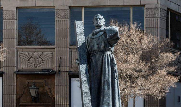 Fray-García-de-San-Francisco-obre-del-excelso-escultor-John-Houser.
