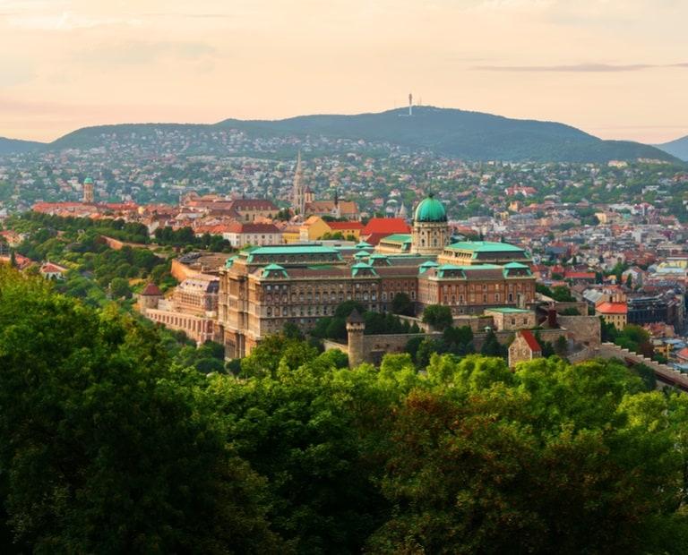 טיול מאורגן להונגריה - בודפשט - BKV