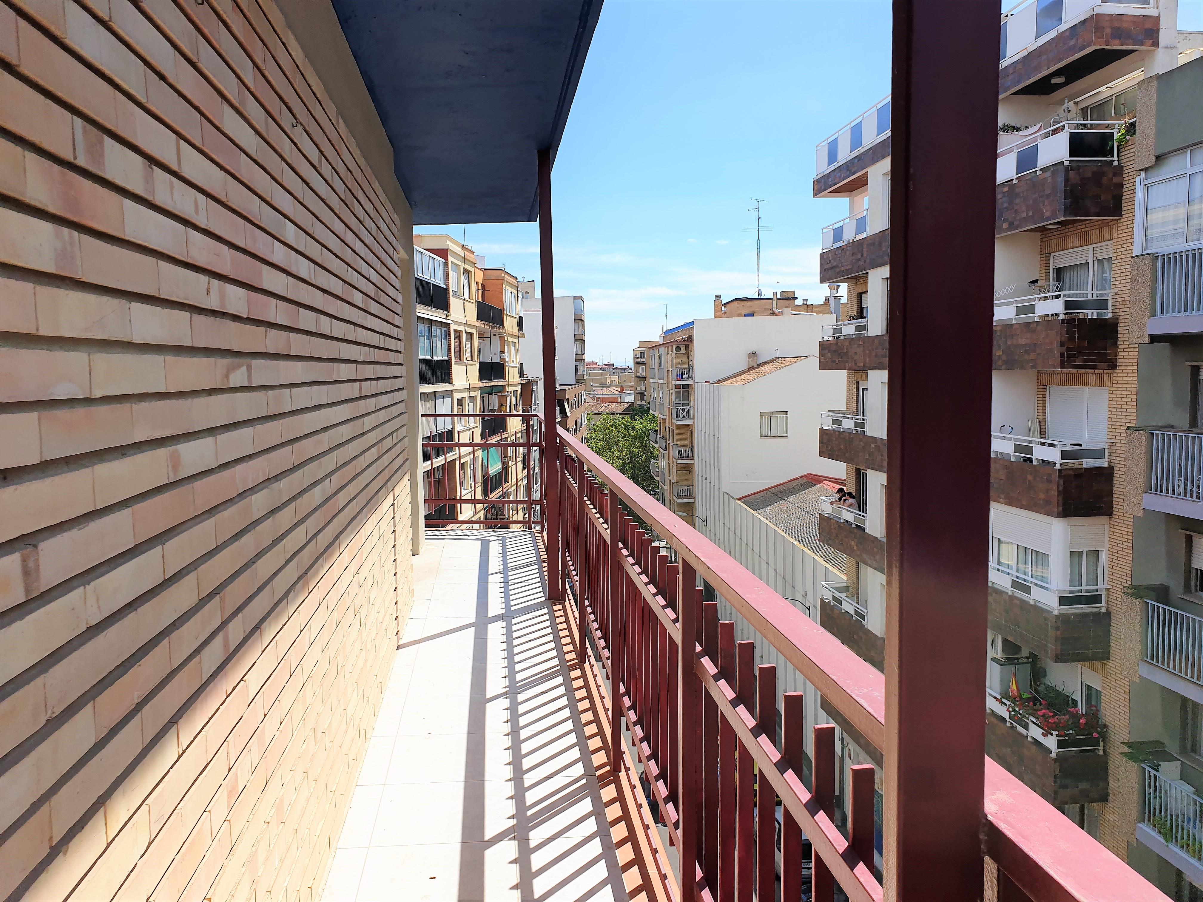 "Oportunidad Plaza Las Canteras <span class=""calle"">Calle Cuarte</span>"