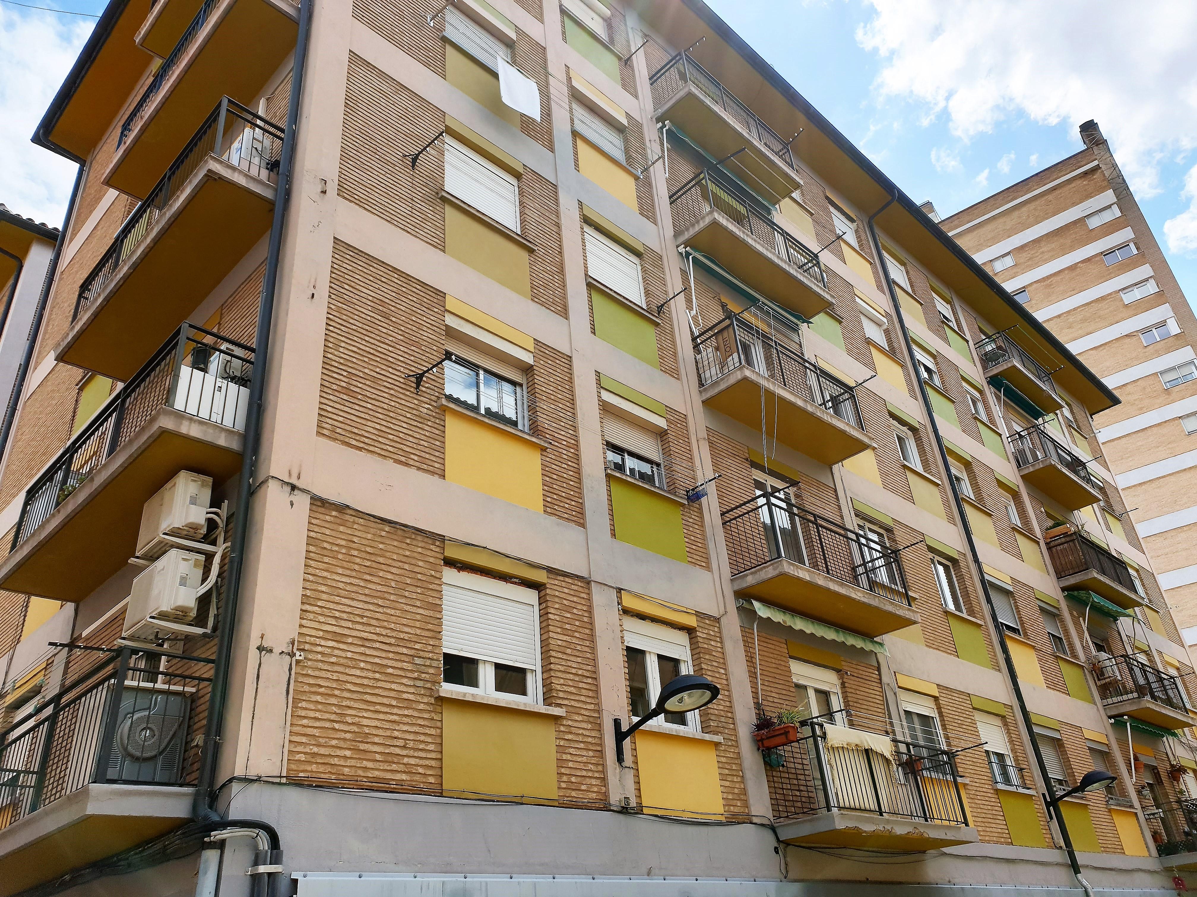 "Apartamento Ruiseñores <span class=""calle"">Calle La Luz</span>"