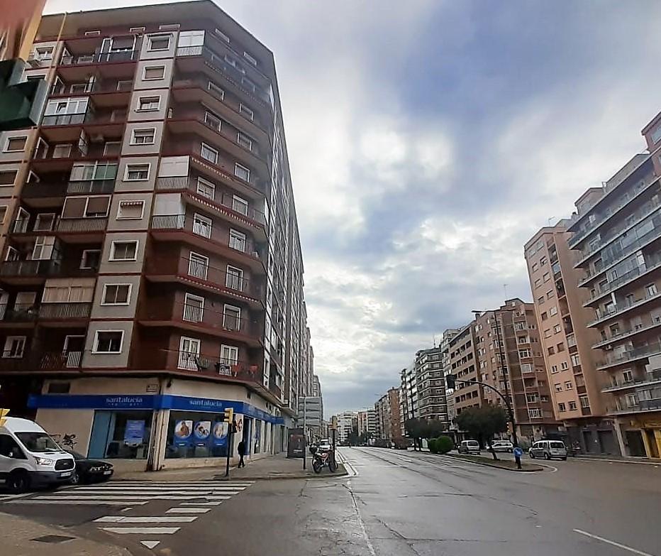 """Amplia vivienda en Avd Navarra <span class=""""calle"""">Calle Fray Jose Casanova</span>"""